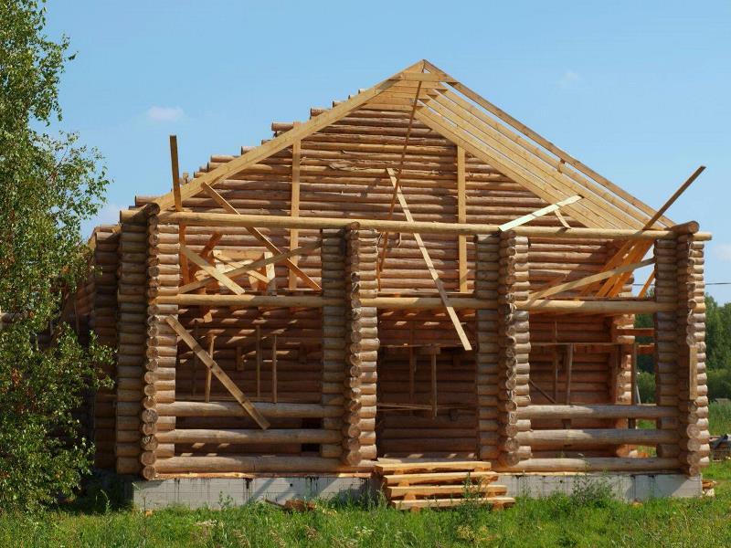 строительство домов из бревна в Москве